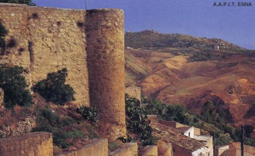 Leonforte: Castello di Tavi - A.A.P.I.T. ENNA