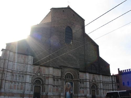サンペトローニオ大聖堂