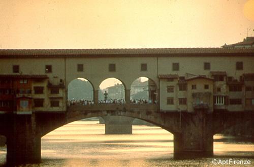 Ponte Vecchio - Le immagini sono di proprietà dell'Agenzia per il turismo di Firenze