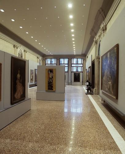 Salone centrale, primo piano - Venezia, Ca' Pesaro - Galleria Internazionale d'Arte Moderna