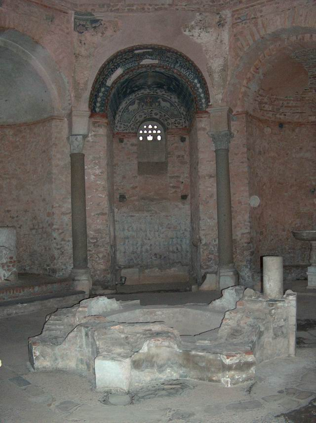 Battistero paleocristiano (V sec. d.C.). Interno - Civico Museo Ingauno (Albenga - SV)