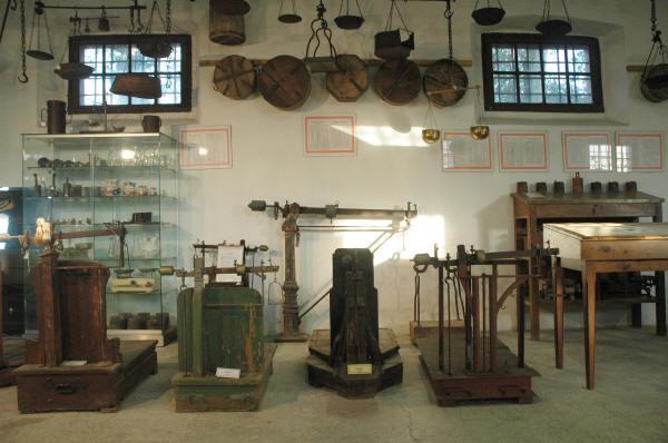 Museo della Civiltà Contadina di Aiello, Udine - I pesi