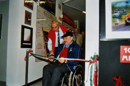 Clay Regazzoni al taglio nastro Museo dell'Auto