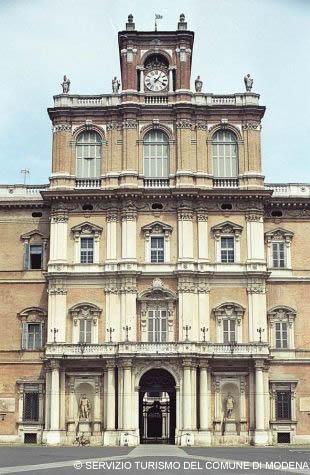 Palazzo Ducale - IMMAGINI GENTILMENTE CONCESSI DAL SERVIZIO TURISMO DEL COMUNE DI MODENA