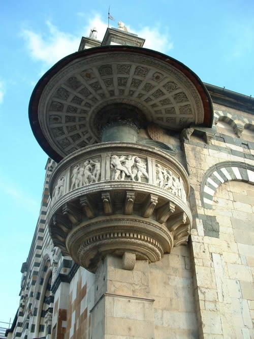 Prato Pulpito di Donatello Duomo