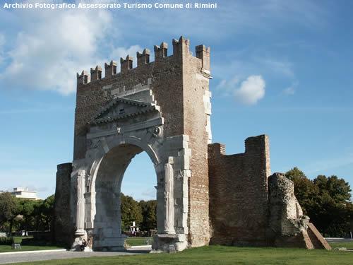 Arco di augusto - Archivio Fotografico Assessorato Turismo Comune di Rimini