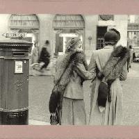 Inge Morath, New Bond Street, London, Great-Britain, 1953