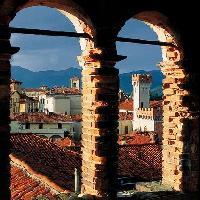 Biella, piazza Martiri (Foto Fabrizio Lava - Archivio fotografico ATL Biella)
