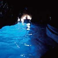 Capri, Grotta Azzurra (Foto www.turismoregionecampania.it)