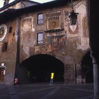 Clusone, piazza dell\'Orologio (Provincia di Bergamo, Settore Cultura Sport e Turismo - Circolo Fotografico Marianese)