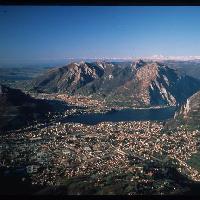 Lecco, veduta aerea (foto Archivio Provincia di Lecco)