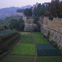 Bergamo, Città Alta: le mura (Provincia di Bergamo, Settore Cultura Sport e Turismo - Circolo Fotografico Marianese)